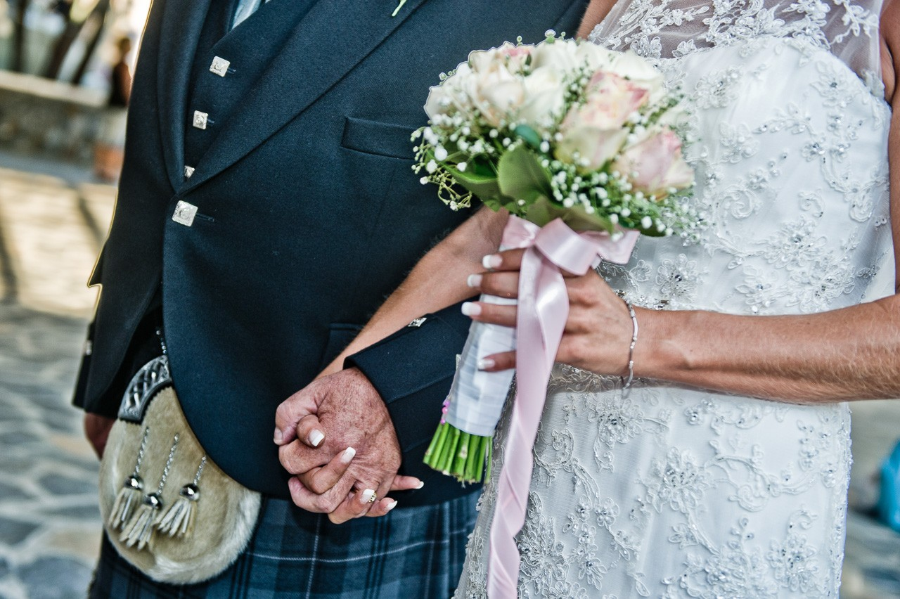 Photographing Scottish wedding in Athens